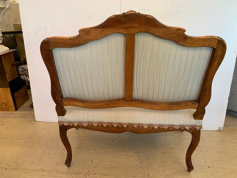 19th Century Lovely Louis XV Walnut Settee Loveseat For Sale 5