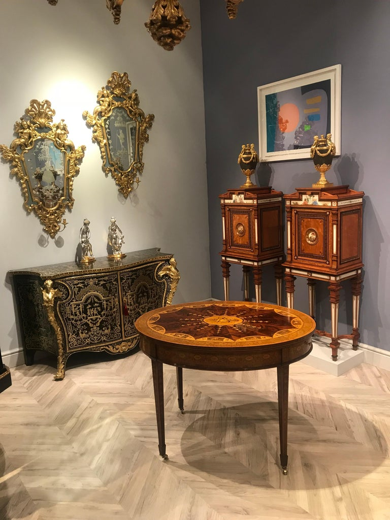 19th Century Mahogany and Satinwood Astrological Marquetry Centre Table For Sale 7