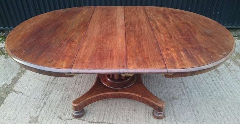 British 19th Century Mahogany Antique Extending Breakfast Dining Table For Sale
