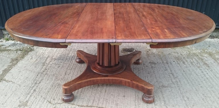 19th Century Mahogany Antique Extending Breakfast Dining Table In Good Condition For Sale In Gloucestershire, GB