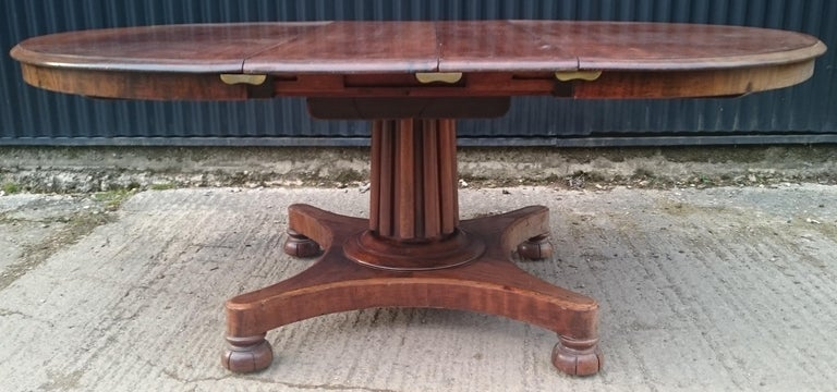 19th Century Mahogany Antique Extending Breakfast Dining Table For Sale 1
