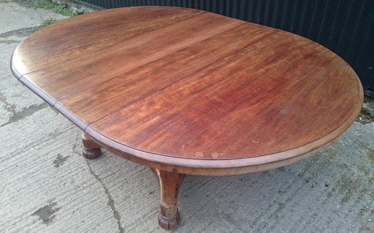 19th Century Mahogany Antique Extending Breakfast Dining Table For Sale 2