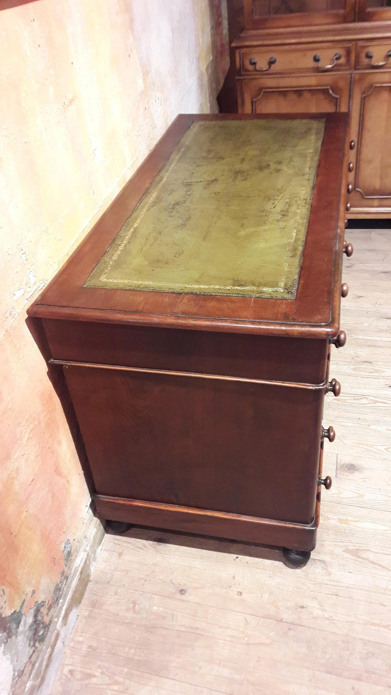 Polished 19th Century Mahogany Desk For Sale