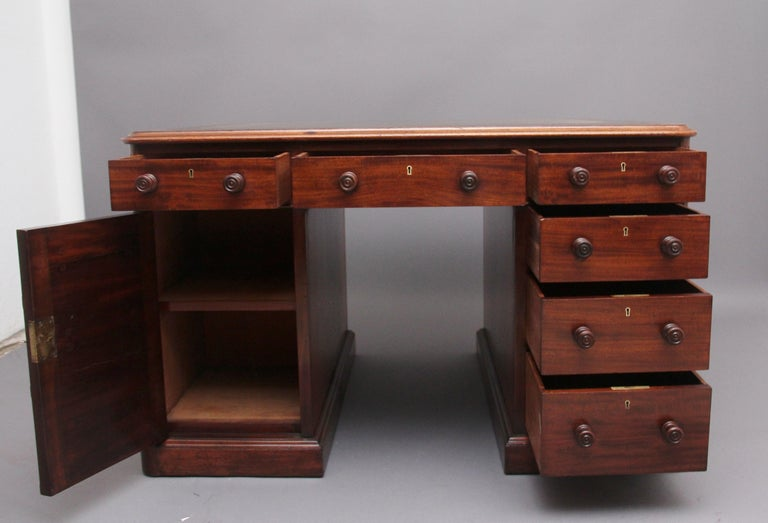 Early Victorian 19th Century Mahogany Partners Desk Stamped Gillows For Sale