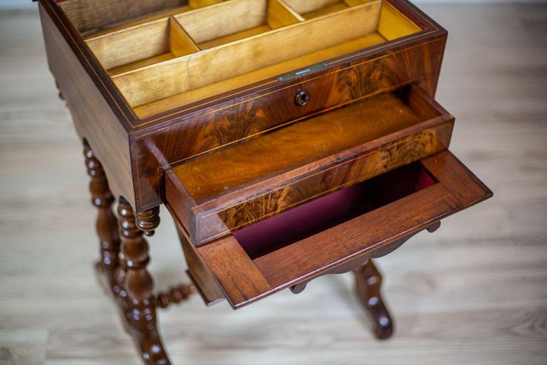 19th Century Mahogany Sewing Table For Sale 5