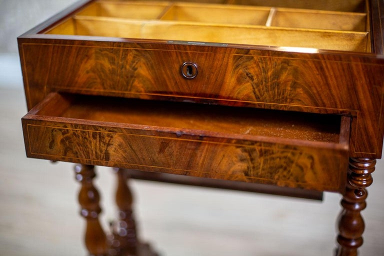 19th Century Mahogany Sewing Table For Sale 1
