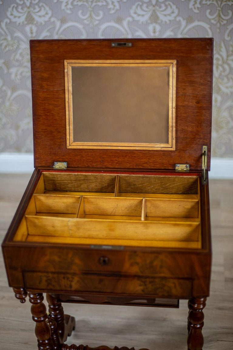 19th Century Mahogany Sewing Table For Sale 4