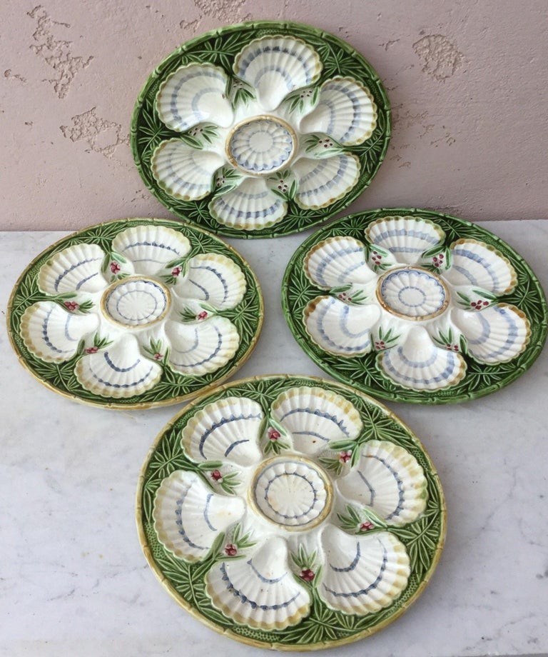 Late 19th Century 19th Century Majolica Bamboo and Berries Oyster Plate Salins For Sale