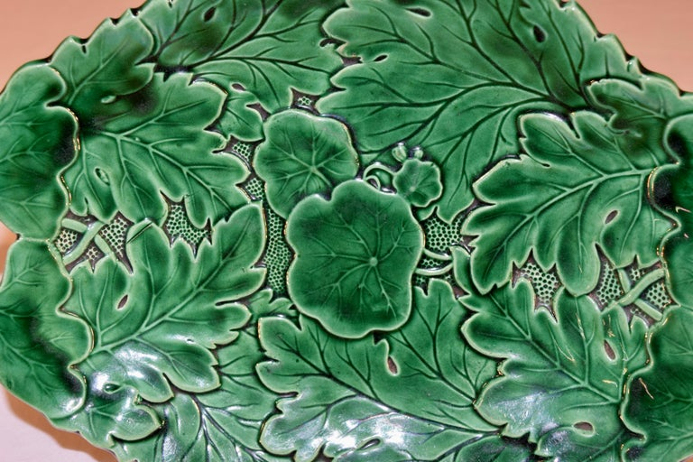 19th Century Majolica Handles Dish In Good Condition For Sale In High Point, NC