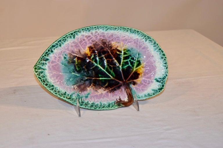 Victorian 19th Century Majolica Leaf Dish For Sale