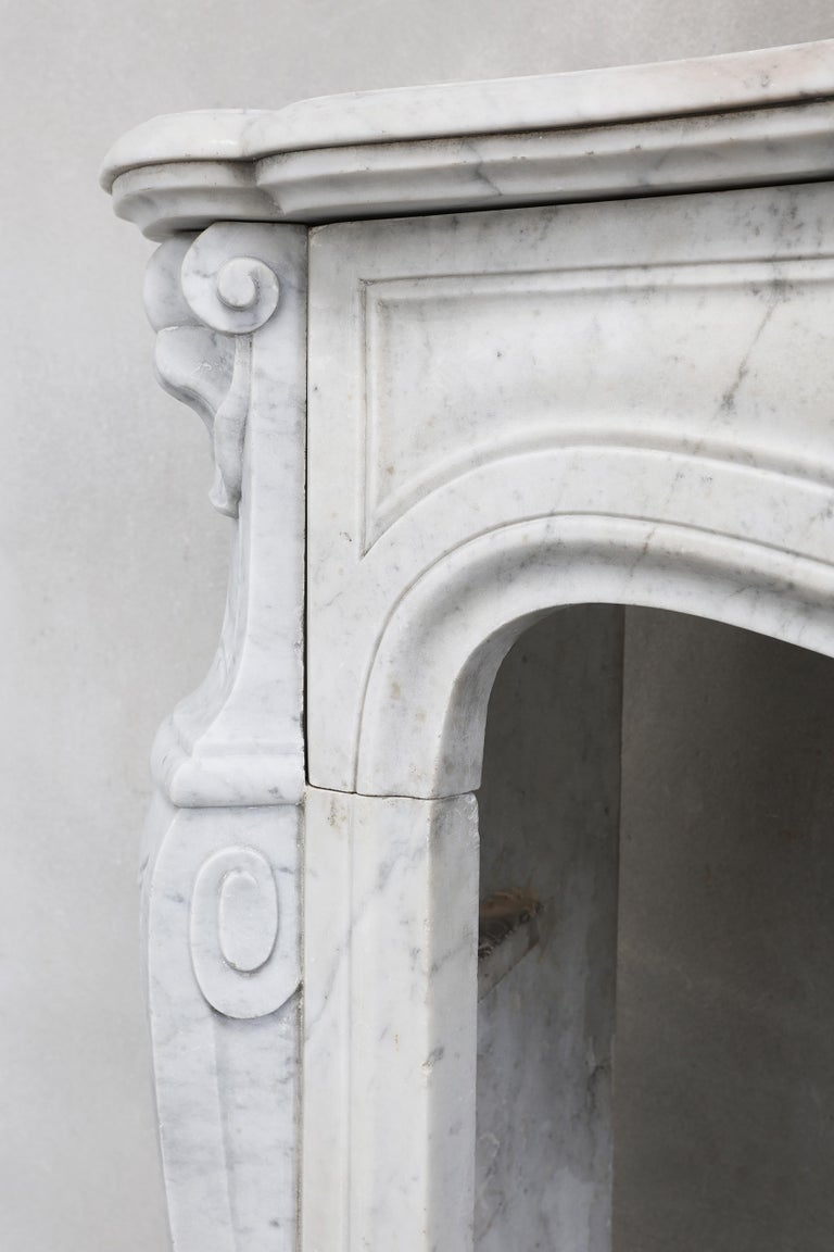 19th Century Mantel Piece of Carrara Marble in Style of Louis XV 7