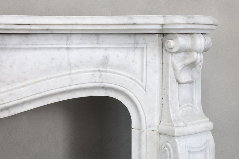 19th Century Mantel Piece of Carrara Marble in Style of Louis XV In Good Condition In Made, NL