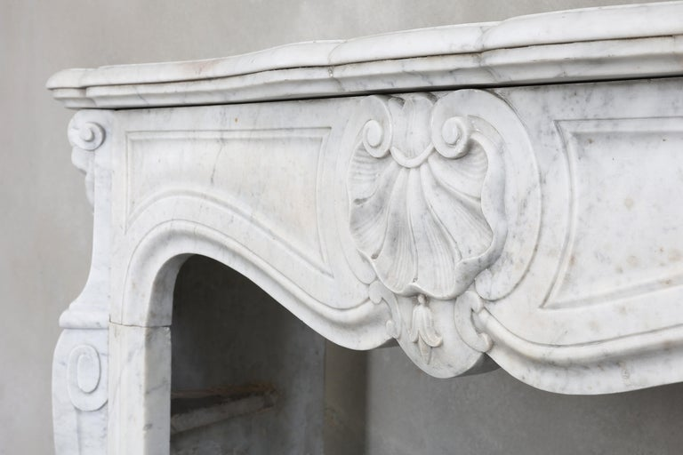 19th Century Mantel Piece of Carrara Marble in Style of Louis XV 3