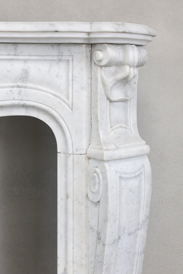 19th Century Mantel Piece of Carrara Marble in Style of Louis XV 4