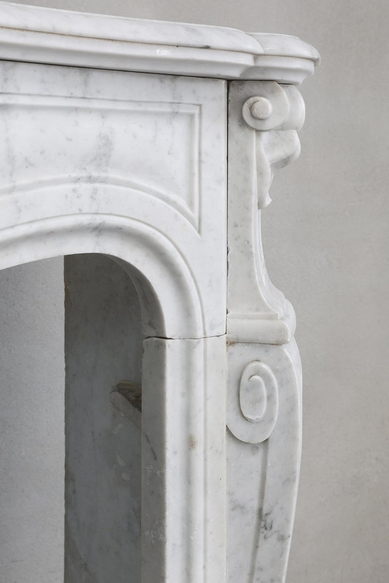 19th Century Mantel Piece of Carrara Marble in Style of Louis XV 5