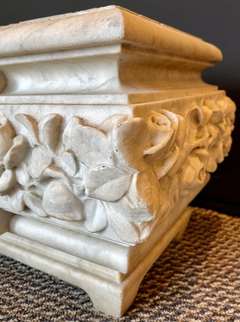 19th Century Marble Planter or Jardinière In Good Condition For Sale In Stamford, CT