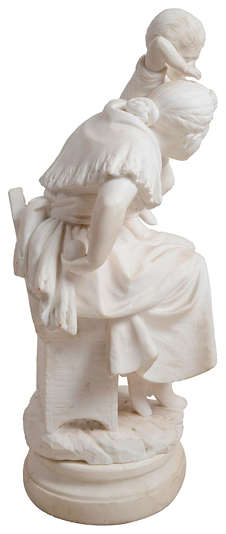 19th Century Marble Statue of Mother and Child In Good Condition For Sale In Brighton, Sussex