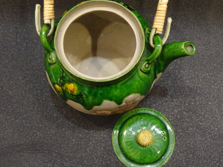 19th Century Meiji Japanese Green Ceramic with Monkeys Teapot with Mark of Banko For Sale 5