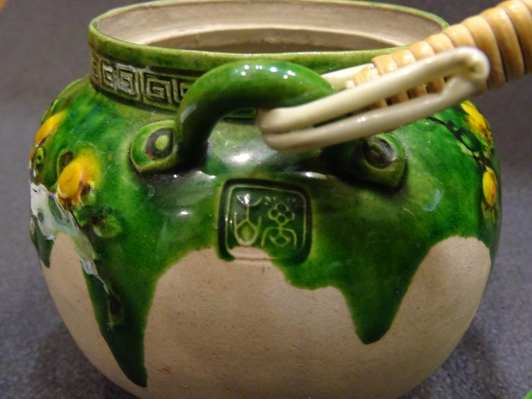 19th Century Meiji Japanese Green Ceramic with Monkeys Teapot with Mark of Banko For Sale 7
