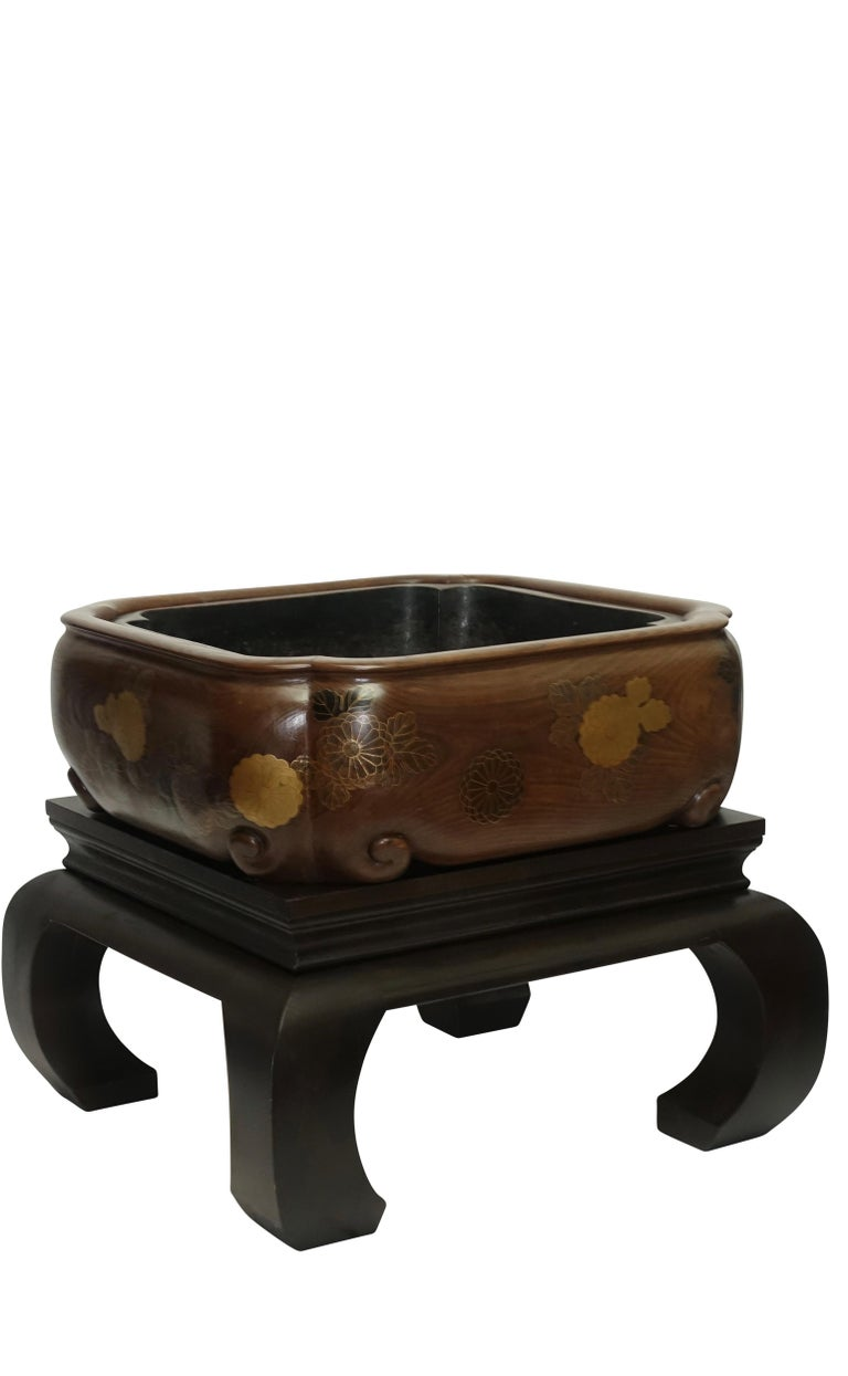 Lacquered 19th Century Meiji Japanese Hibachi For Sale