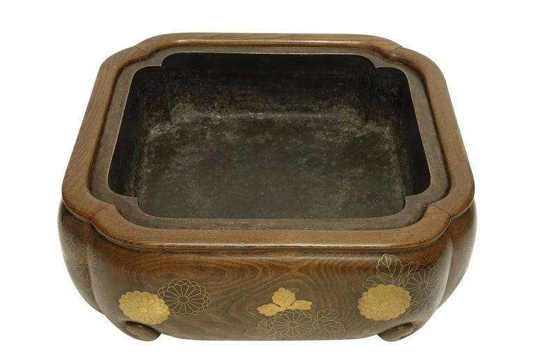 Chestnut 19th Century Meiji Japanese Hibachi For Sale