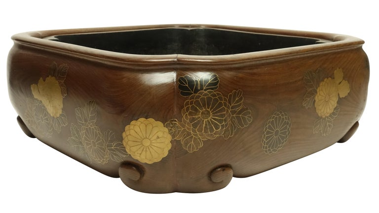 19th Century Meiji Japanese Hibachi For Sale 2