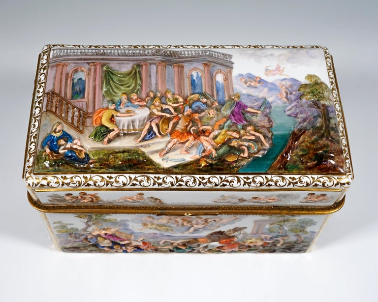 19th Century Meissen Jewelry Box With Colored Greek Mythology Reliefs In Good Condition For Sale In Vienna, AT