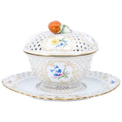 19th Century Meissen Porcelain Covered Bowl with Strawberry Finial