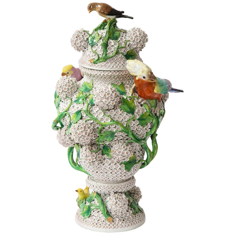 19th Century Meissen Porcelain Schneeballen Snowball Vase with Meissen Birds For Sale