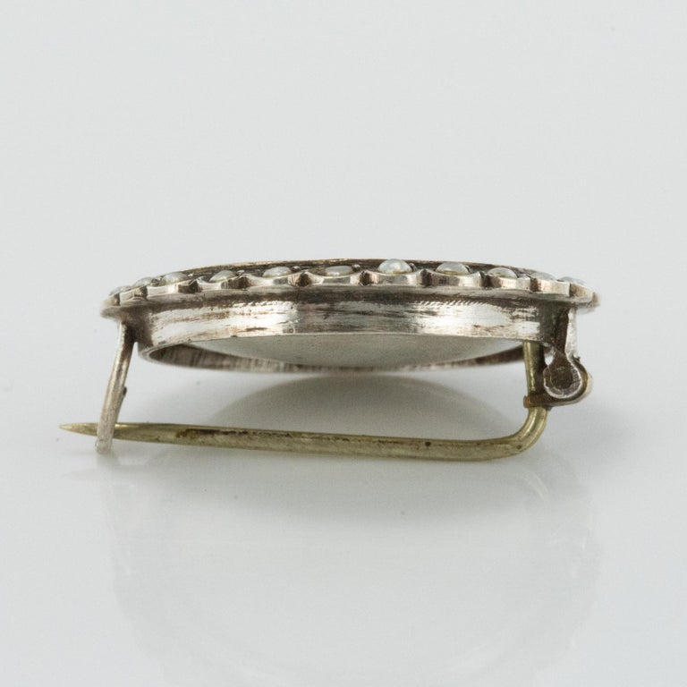 19th Century Miniature and Pearls on Silver Brooch For Sale 3