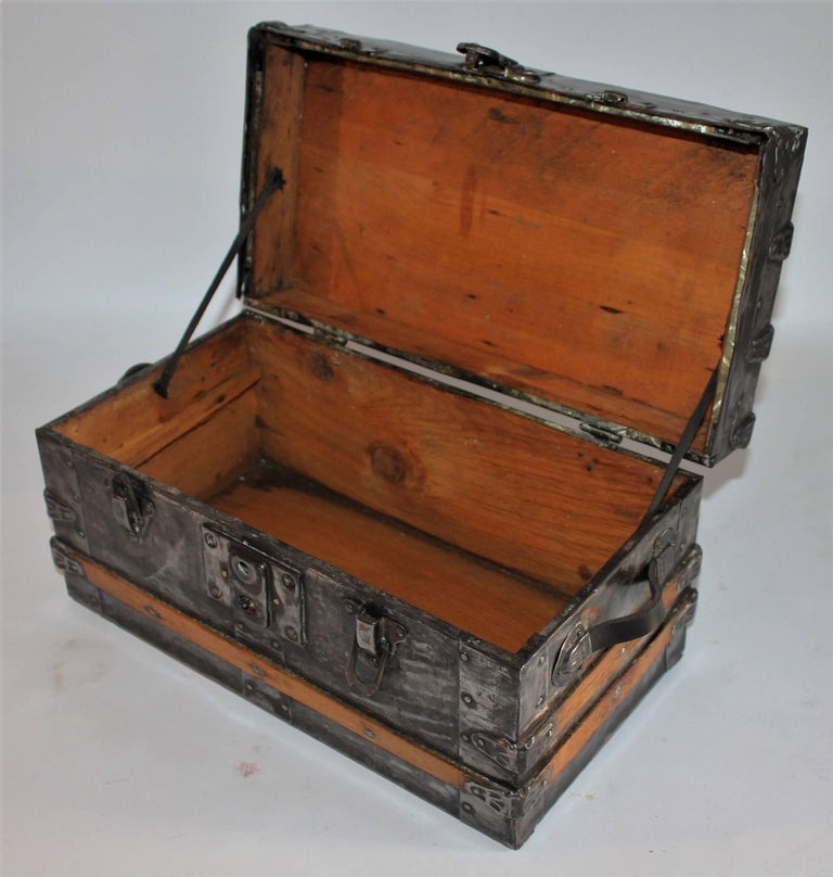 19th Century Miniature Salesman Sample Trunk In Excellent Condition For Sale In Los Angeles, CA