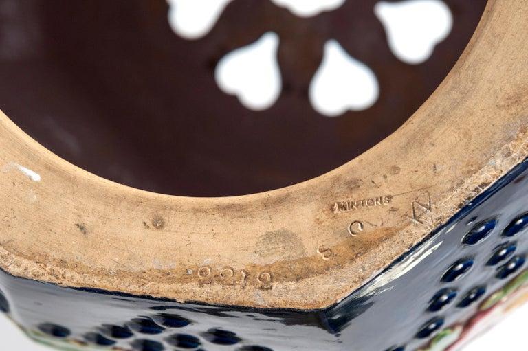 19th Century Minton Majolica Garden Stool In Good Condition For Sale In Paris, FR
