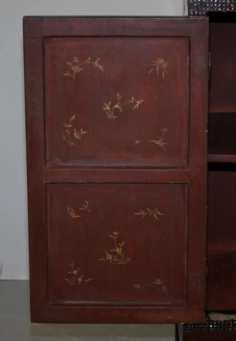 19th Century Mother of Pearl Inlaid Chinese Lacquer Brass Engraved Cabinet Chest For Sale 12
