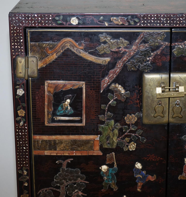 Wood 19th Century Mother of Pearl Inlaid Chinese Lacquer Brass Engraved Cabinet Chest For Sale