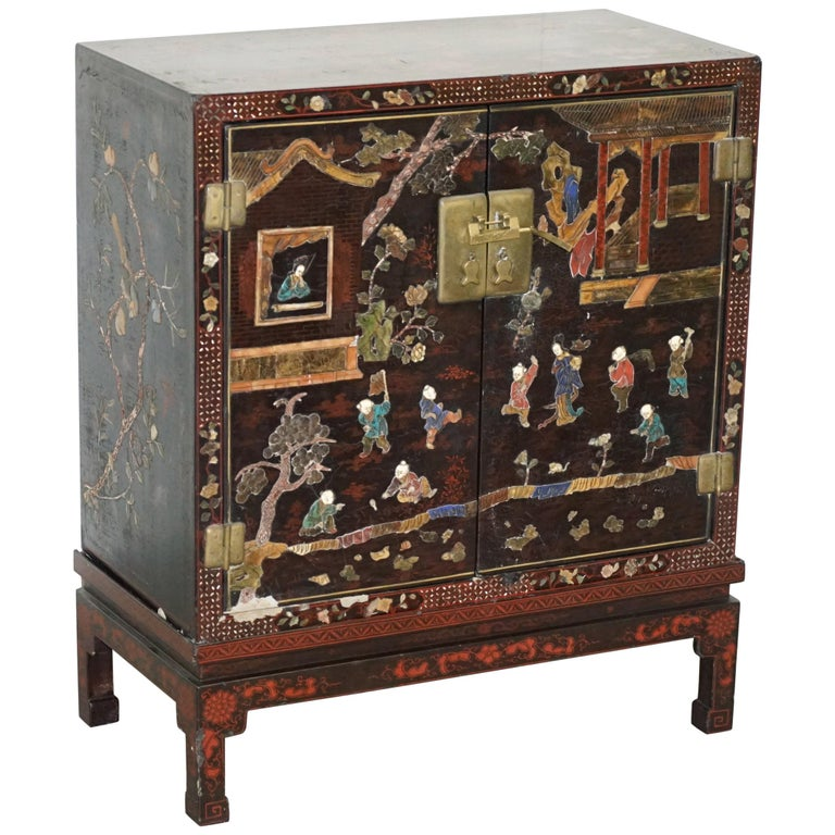 19th Century Mother of Pearl Inlaid Chinese Lacquer Brass Engraved Cabinet Chest For Sale