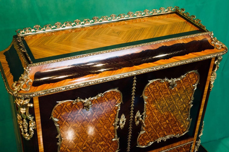 19th Century French Napoleon III Rosewood and Kingwood  Writing Table, 1850s For Sale 9