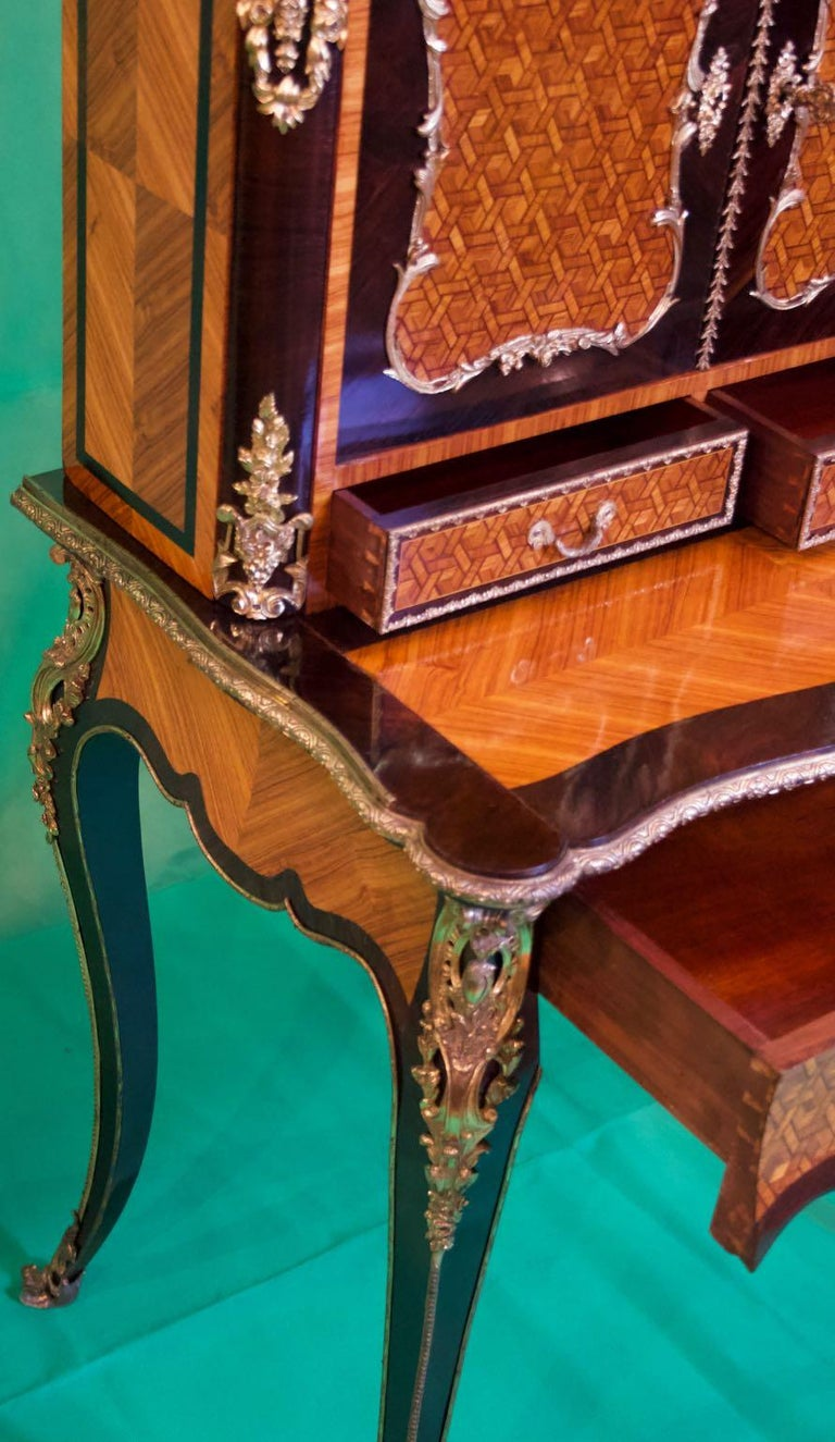 19th Century French Napoleon III Rosewood and Kingwood  Writing Table, 1850s For Sale 1