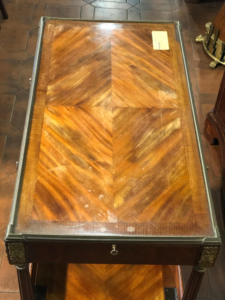19th Century Napoleon III Rosewood France Étagère Table, 1860s For Sale 3