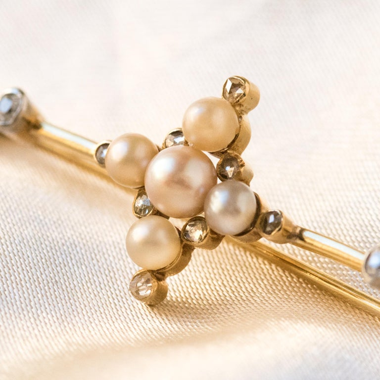 19th Century Natural Pearls 18 Karat Yellow Gold Pin Brooch For Sale 1