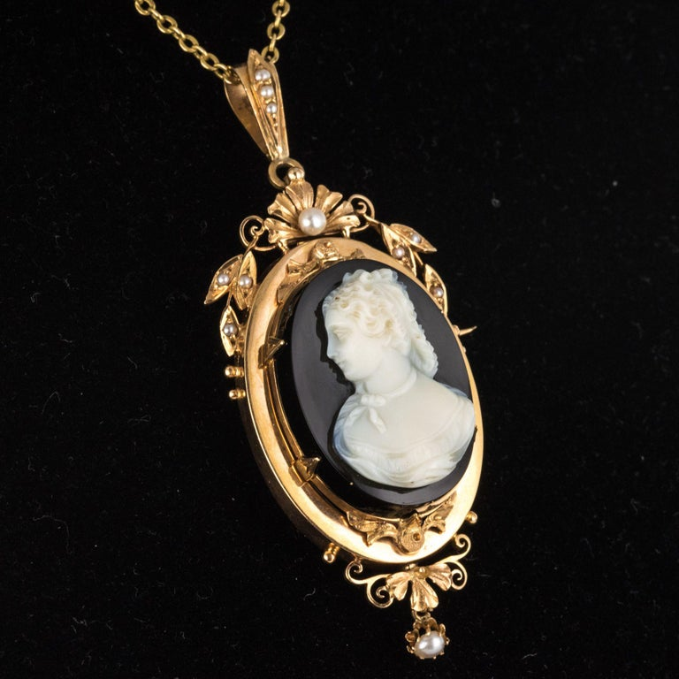 19th Century Natural Pearls Onyx Cameo 18 Karat Rose Gold Pendant Brooch For Sale 5