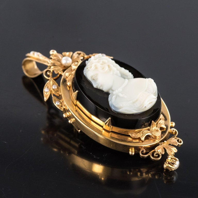 19th Century Natural Pearls Onyx Cameo 18 Karat Rose Gold Pendant Brooch For Sale 9