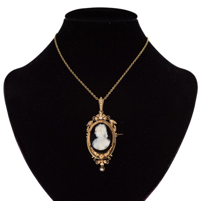 Napoleon III 19th Century Natural Pearls Onyx Cameo 18 Karat Rose Gold Pendant Brooch For Sale