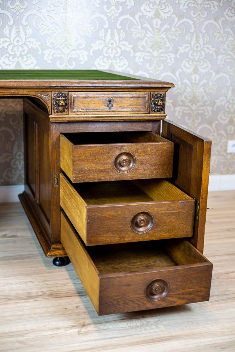 19th Century Neo-Renaissance Oak Desk For Sale 5