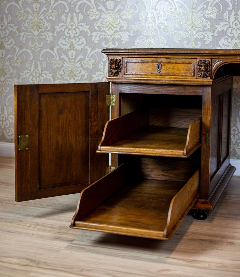 19th Century Neo-Renaissance Oak Desk For Sale 6