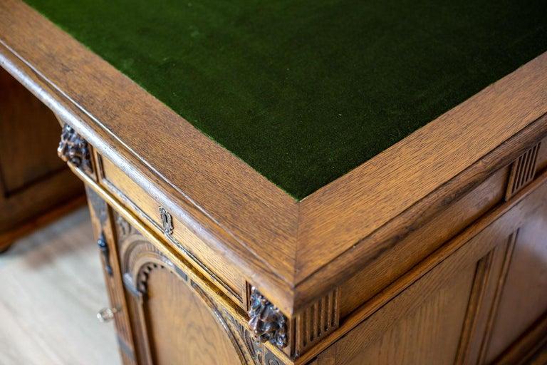 19th Century Neo-Renaissance Oak Desk For Sale 9