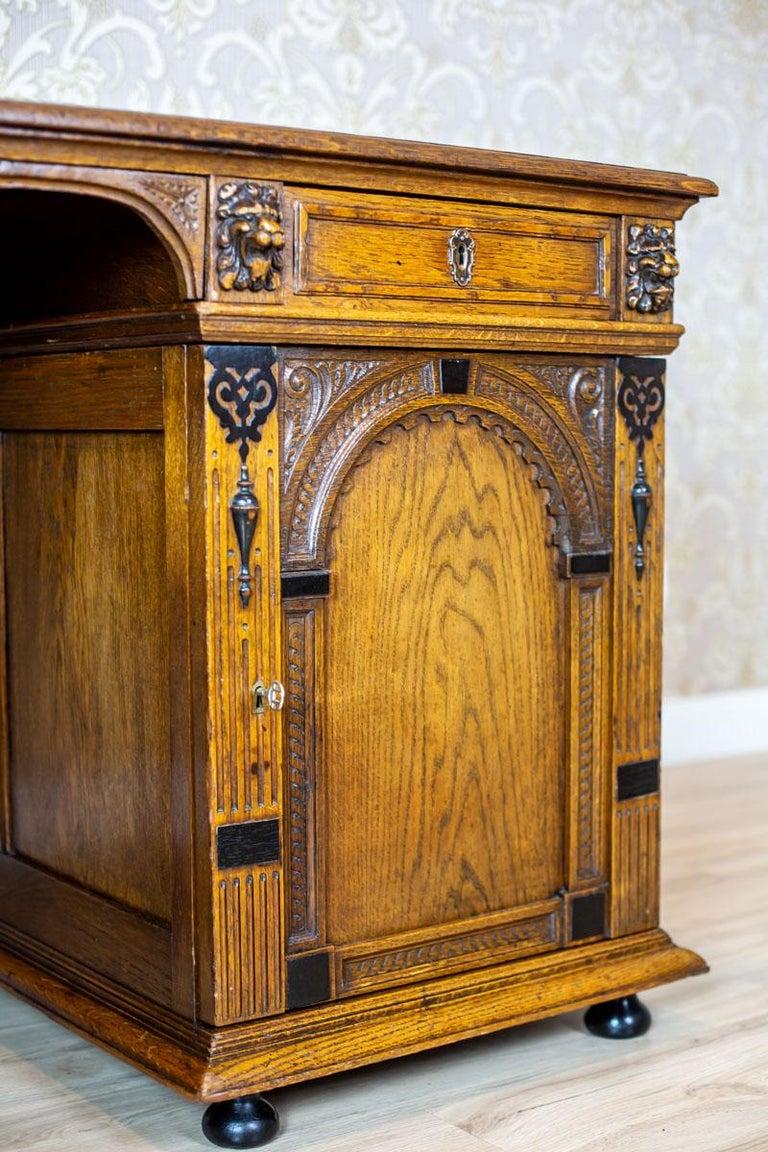 19th Century Neo-Renaissance Oak Desk In Good Condition For Sale In Opole, PL