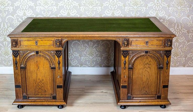 19th Century Neo-Renaissance Oak Desk For Sale 2