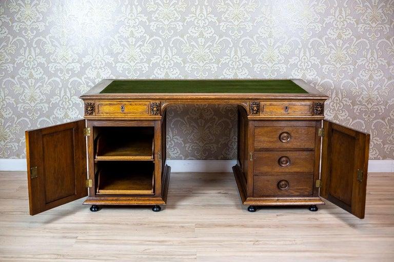 19th Century Neo-Renaissance Oak Desk For Sale 3