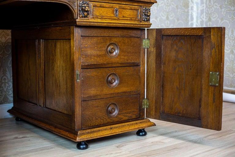 19th Century Neo-Renaissance Oak Desk For Sale 4