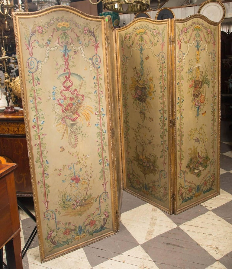 Neoclassical 19th Century Neoclassic Style Painted Wood Screen For Sale